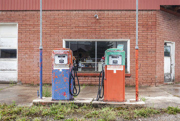 Vintage fuel pomp at closed petrol station