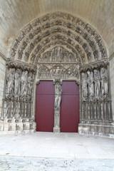 porte de cathédrale de laon