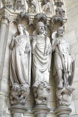 statues de cathédrale de laon