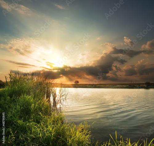 wieczor-nad-rzeka