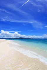 美しい海と夏空