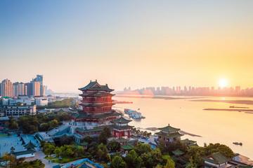 nanchang tengwang pavilion at dusk