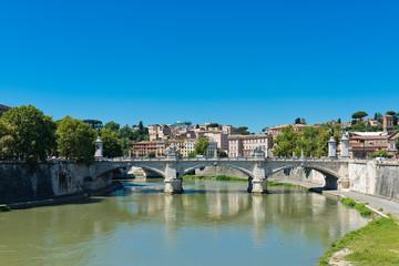 Bridge Il Tevere a Ponte Vittorio Emanuele II in Rome, Italy