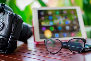 camera eyeglass tablet