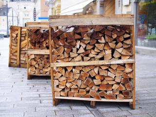 Hauszustellung von Brennholz