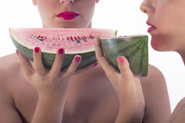 ragazze con anguria