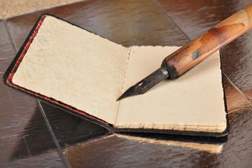 agendina e penna antiche