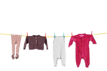Wäscheleine mit Babykleidern