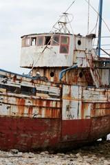 bateau en ruine