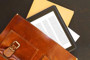 tasche und ebook
