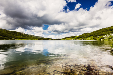 Beautiful alpine landscape with lake Calcescu in Parang  mountai