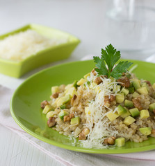 Risotto with avocado and walnuts