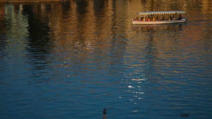 Lake cruiser