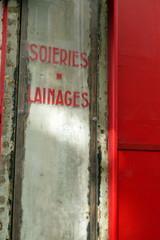 Vitrine à Paris