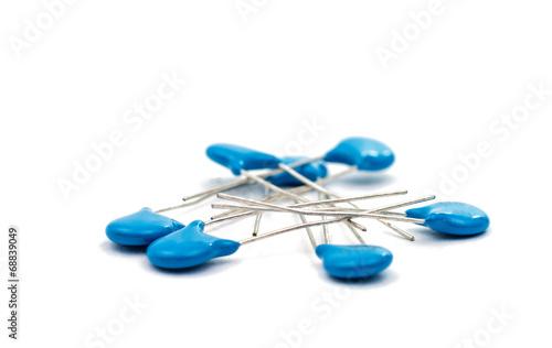 Resistors isolated - 68839049