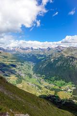 La Val d'Ayas e la catena del Monte Rosa