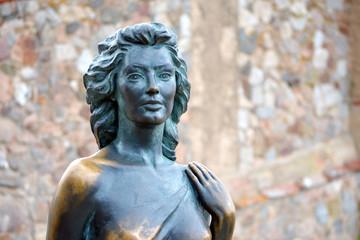 Estatua en bronce. Eva Gardner. Detalle