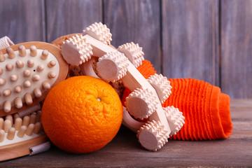 Roller brush, towel, orange and oval brushes
