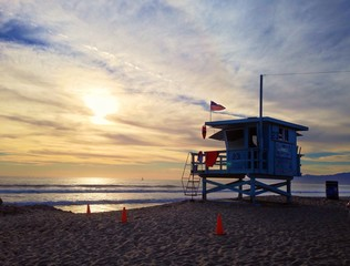 beach watch tower in venice beach