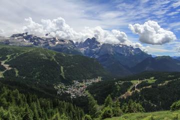 Madonna di Campiglio et le groupe de Brenta dans les Dolomites