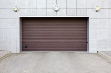 Closed garage gate