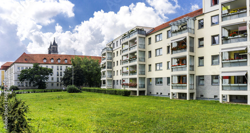 canvas print picture Sanierter Plattenbau