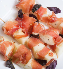 cantaloupe and proscuitto appetizer