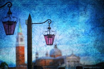 Wenecka latarnia uliczna w stylu retro