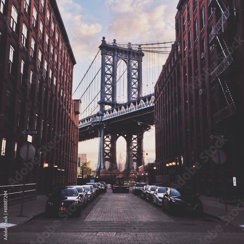 Manhattan bridge - 68887204