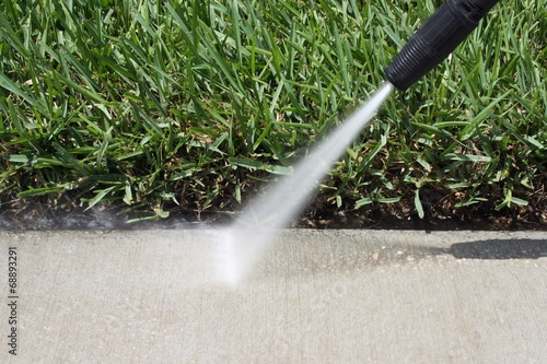 Pressure Cleaning - 68893291