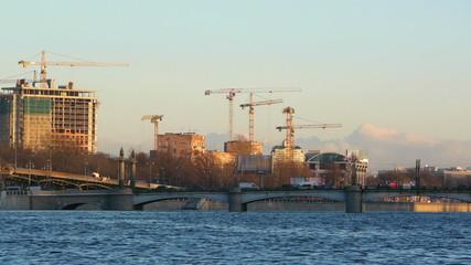 Ushakovsky Bridge, panning