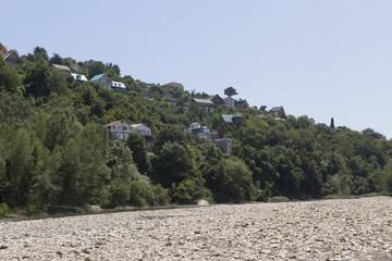 Русло горной реки Псезуапсе в поселке Лазаревское, Сочи