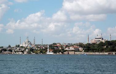 Исторический Стамбул со стороны моря