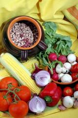 Pannocchia di mais con funghi ,ravanelli e fagioli