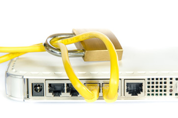 Netzwerk Kabel schlossRouter auf weissem Hintergrund