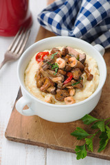 Polenta with mushrooms and onion