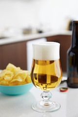 Beer glass with chips