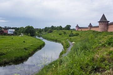 Крепость у реки
