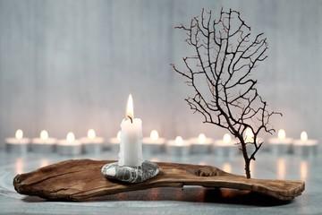 Trockengesteck mit Kerze