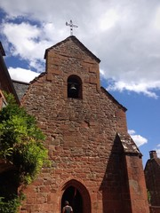 chiesa del villaggio do Collonges la Rouge, Limosino - Francia