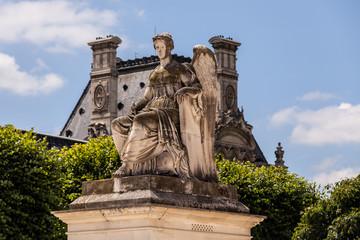 Im Park Louvre