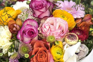 Vielfarbiger Blumenstrauß