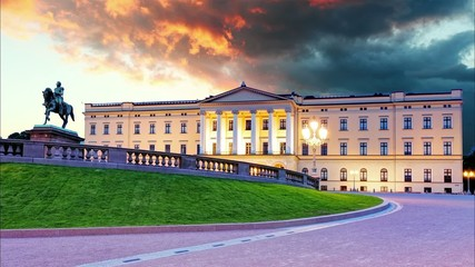 Royal palace in Oslo, Norway - Time lapse