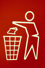 No littering - Throwing in the bin