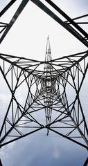 Torre de alta tensión para fondos y texturas