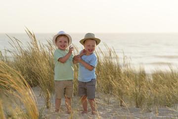 tweeling bij Lacanau Ocean