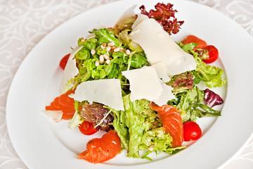 Mix salad with salmon