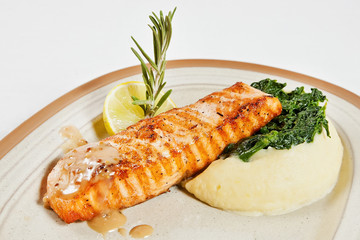 Salmon fillet with mashed potatoes