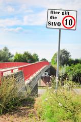 Hier gilt die StVO / 10km/h