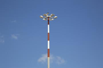 Palo a strisce con lampade